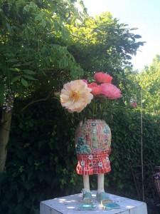 kunst vaas met bloemen